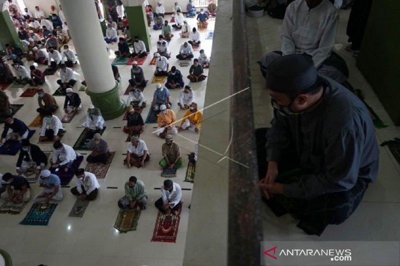 Foto - Shalat Idul Adha di Masjid Al Muttahirin Tapa
