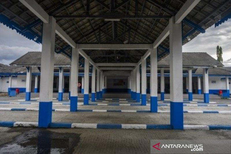 Terminal dan pusat perbelanjaan di Kota Palu sepi