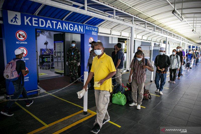 Enam pekerja migran Indonesia positif COVID-19 saat tiba di Batam