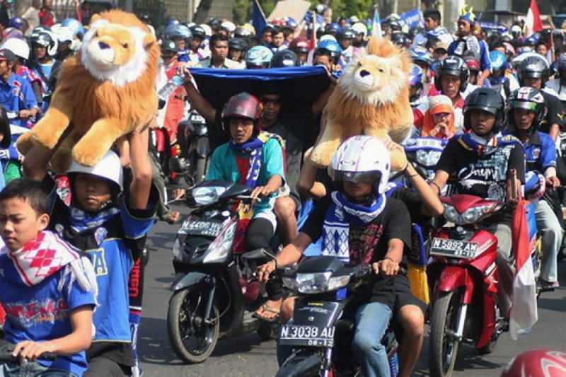 Perayaan HUT Arema FC Malang ke-33 tanpa konvoi Aremania