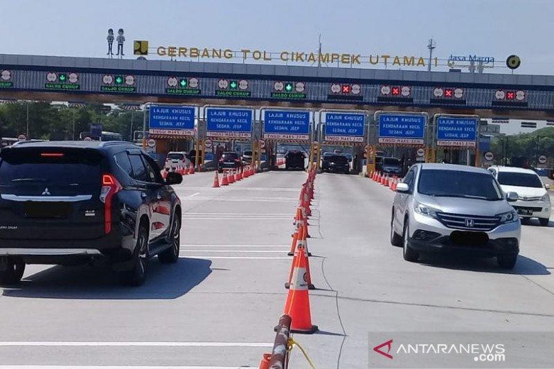 Pengguna jalan Tol Jakarta-Cikampek meningkat pada hari libur Idul Adha