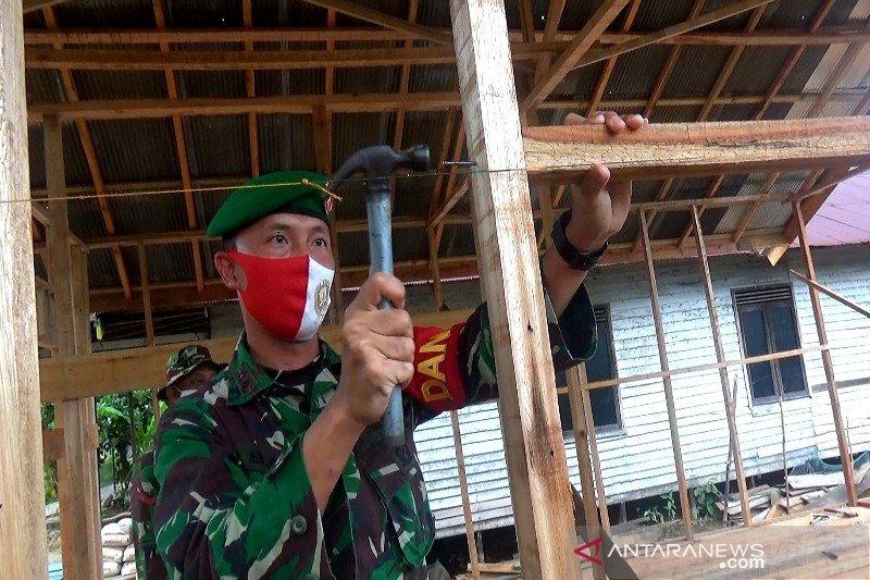 Rumah warga tak layak huni dibedah Kodim 1011 Kapuas