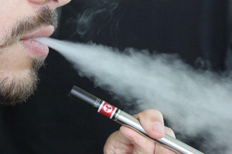 Perokok tembakau sekaligus elektrik cenderung alami beban kesehatan ganda