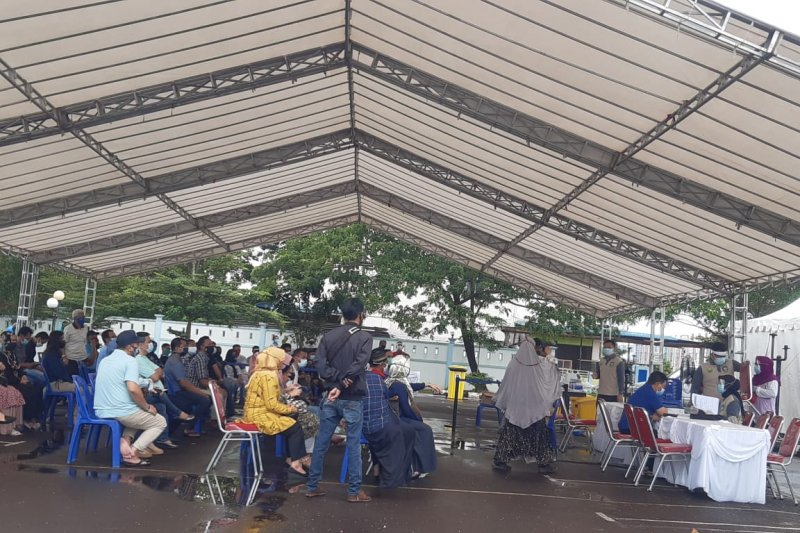 Ratusan orang kontak dengan Gubernur Kepri Isdianto tes swab