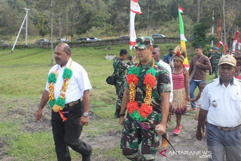 Wabup Jayawijaya motivasi warga tak tergantung bantuan pemerintah