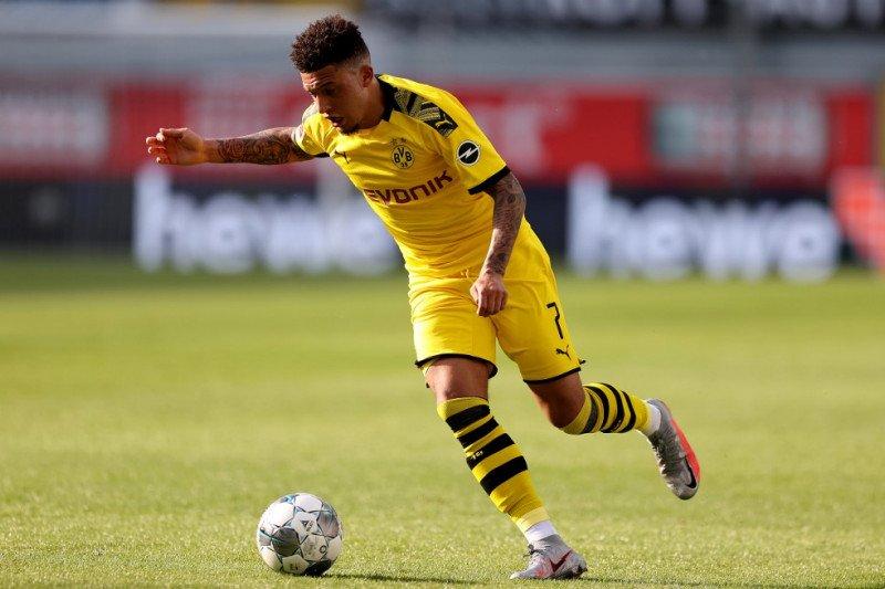 Borussia Dortmund mempertahankan Jadon Sancho