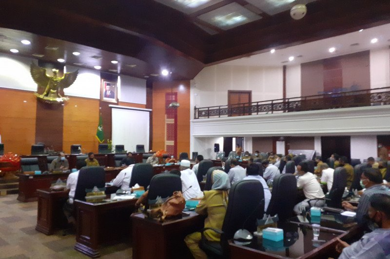 Pengurus cabang olahraga tuntut janji Komisi V DPRD Sumbar cabut SK Gubernur terkait Porprov