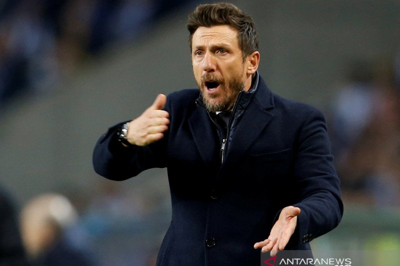 Cagliari tunjuk Eusebio Di Francesco jadi juru taktik