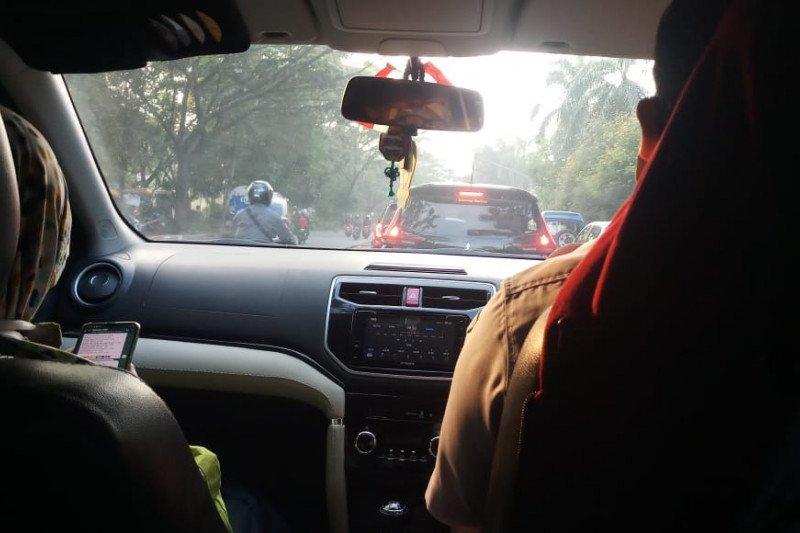 Siasati ganjil genap, para pekerja di Jakarta pilih nebeng kendaraan teman