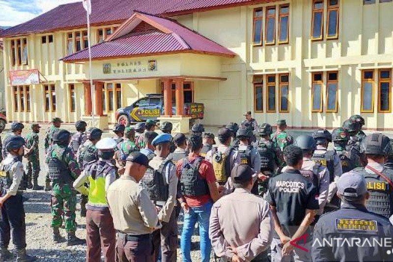 Personel TNI-Polri antisipasi pengumuman hasil seleksi CASN Tolikara