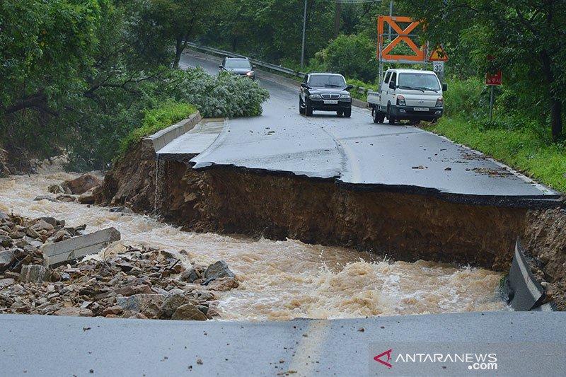 21 orang tewas saat banjir dan longsor melanda Korea Selatan