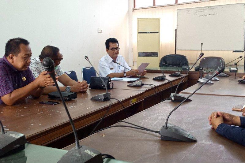 DPRD Padang bagi informasi meningkatkan PAD pasca pandemi COVID-19 pada DPRD Kabupaten Langkat