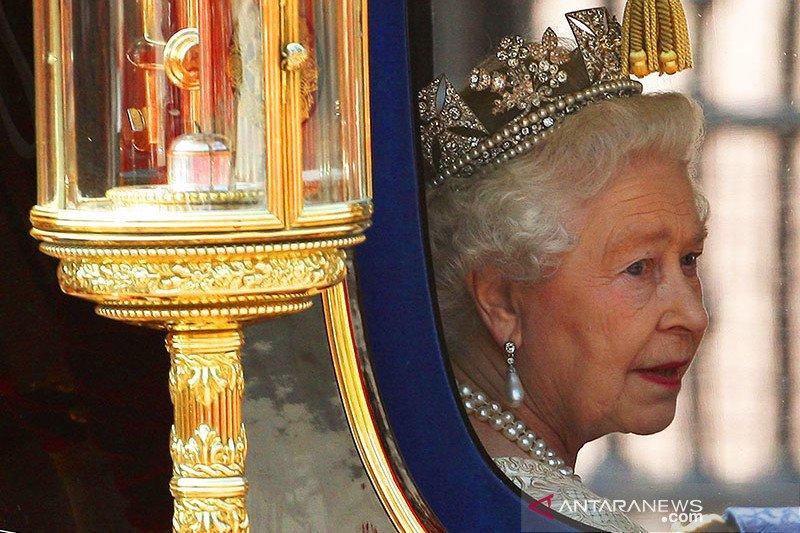 Ratu Elizabeth II gelar nonton film drive-in di kediaman pribadi