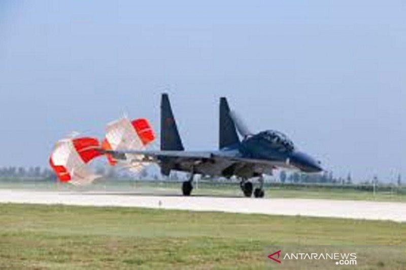 Pesawat-pesawat tempur China berpatroli 10 jam di kepulauan Laut China Selatan
