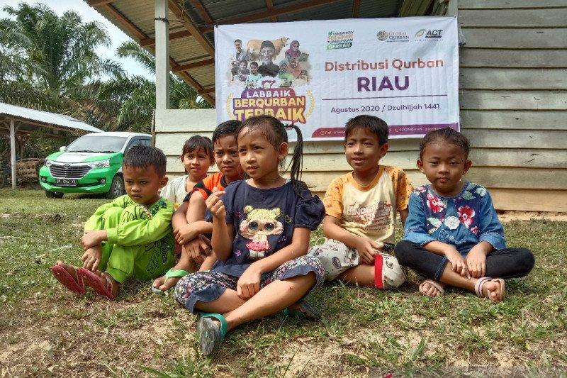 Global Qurban-ACT hadirkan kurban untuk warga Dusun Lima Citra Inhu