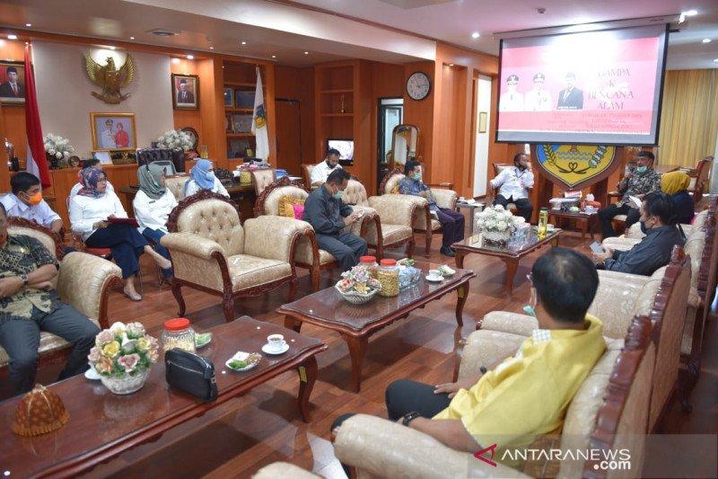 DPRD Sulteng temui gubernur  sampaikan temuan pansus rehab-rekon