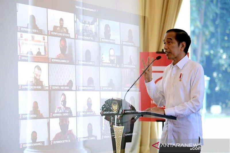 Presiden Jokowi: Beli produk lokal, tingkatkan pendapatan petani nelayan UMKM