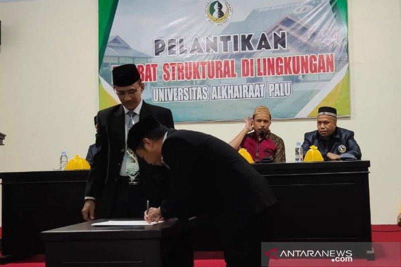 Dekan Fakultas Sastra Unisa Palu kini dijabat Syamsuddin