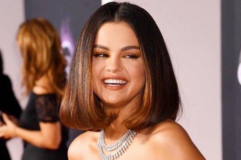 Penyanyi Selena Gomez keluhkan ujaran kebencian di media sosial pada Zuckerberg