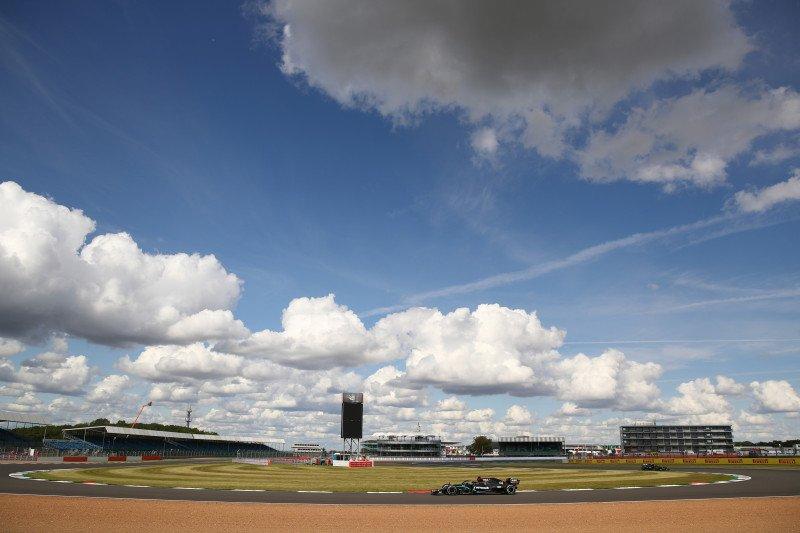 Ban yang lebih lunak tantangan baru bagi Lewis Hamilton di Silverstone