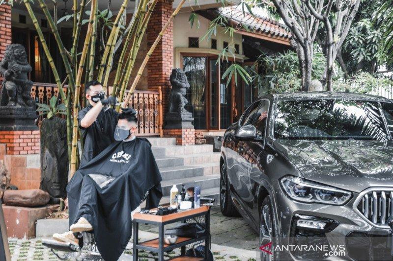 """GroominX Concierge"", test drive  sambil cukur rambut bareng BMW"