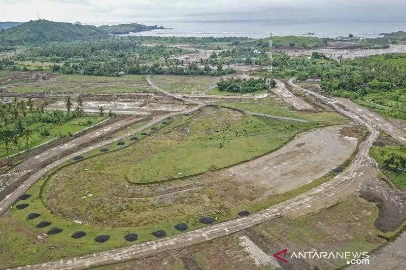 Pembangunan Sirkuit MotoGP di KEK Mandalika masuk tahap pembersihan lahan
