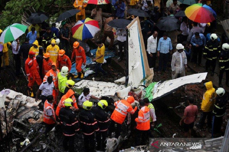 Pesawat repatriasi India alami kecelakaan, sekitar 17 orang tewas