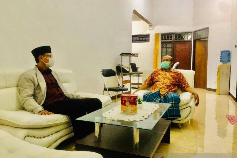 Mantan Bupati Lombok Timur mendukung paket HARUM di Pilkada Mataram