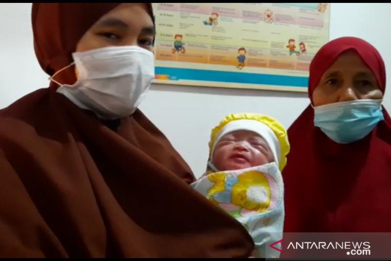 Polisi tangkap perempuan pembuang bayinya