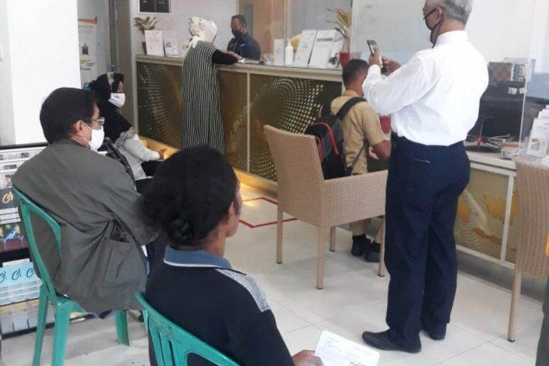 PT Taspen Jayapura cairkan gaji ke-13 untuk pensiunan