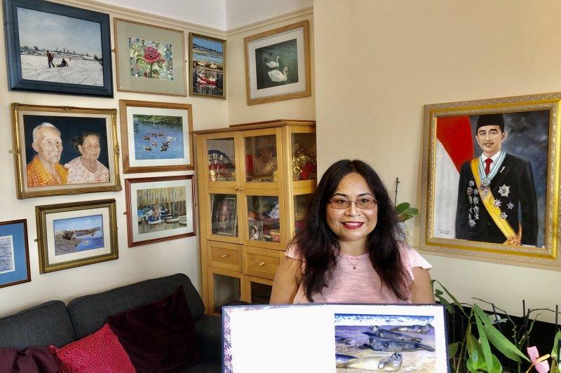 Sunarni Puji Lestari, pelukis Indonesia yang berkarya di Inggris