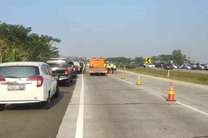 Flash - Delapan orang tewas dalam kecelakaan di Tol Cipali