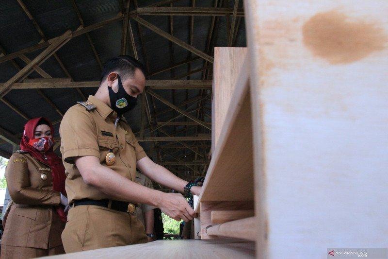 Palangka Raya beri pelatihan produksi furniture berbahan dasar kayu