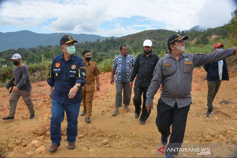 Road infrastructure development become priority for advancing Nagari Garabak Data: Nasrul Abit