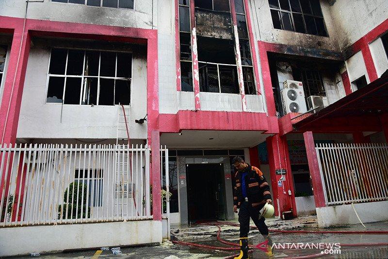 Gedung Telkom terbakar akibatkan jaringan pelanggan Sumbar  ikut lumpuh