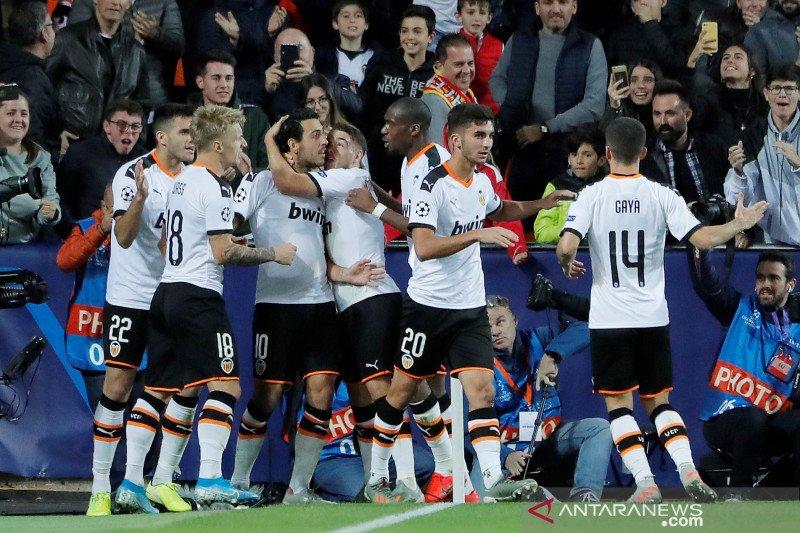 Valencia dikritik suporter karena jual Francis Coquelin dan Dani Parejo
