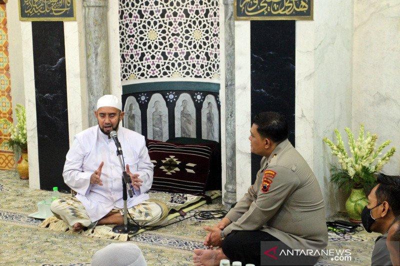 Habib Syech: Islam itu sejuk bukan membuat keributan