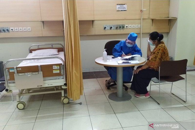 Vaksinasi COVID-19 dilakukan di lima tempat di Bandung
