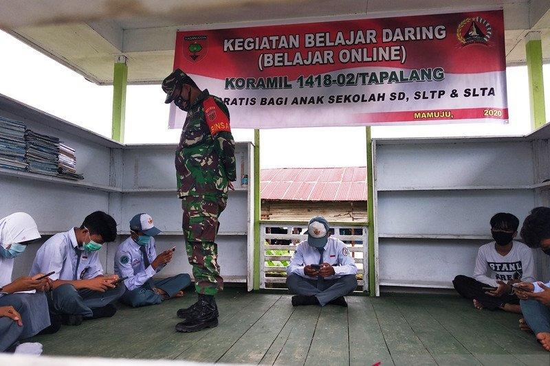 TNI beri akses internet gratis bagi siswa di pelosok Kabupaten Mamuju