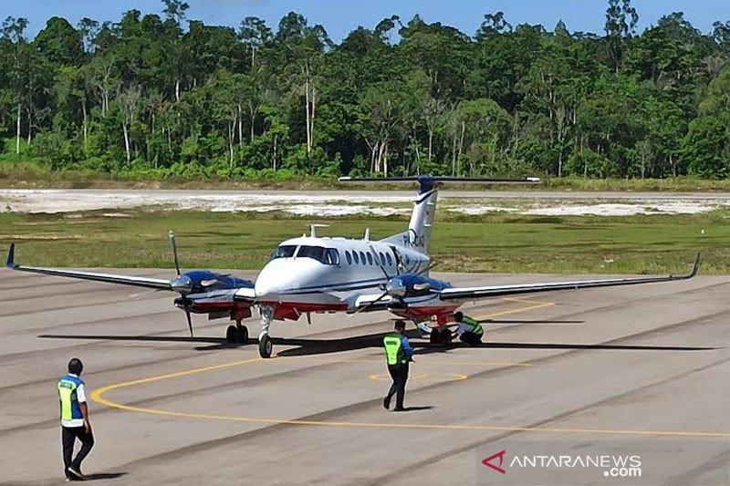 Pesawat  Kemenhub ini,  pertama  yang  mendarati  Bandara Haji Muhammad Sidik