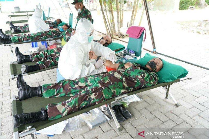Korem 143/HO donor darah untuk bantu kekurangan stok di PMI