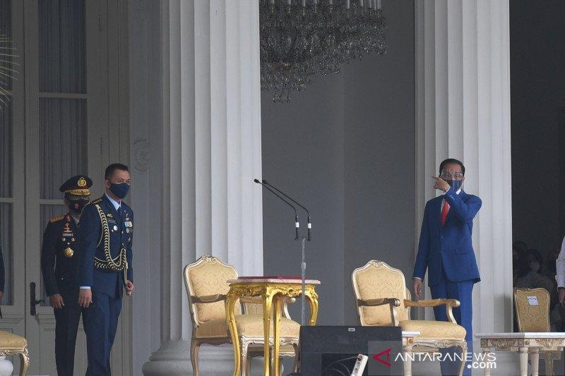 Presiden membacakan Naskah Apel Kehormatan dan Renungan Suci di TMP