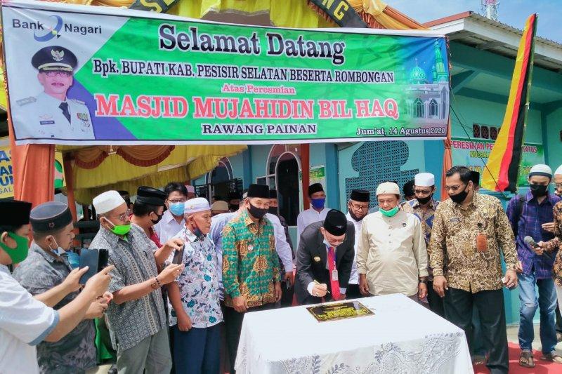Bupati ajak masyarakat aplikasikan nilai-nilai Islam dalam kehidupan saat resmikan Masjid Mujahidin Bil Haq