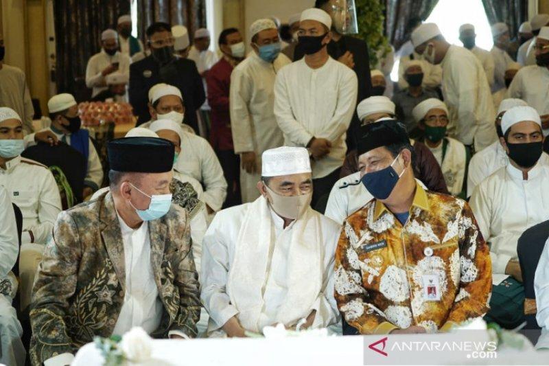 Pilkada Kalsel: Paman Birin-Haji Muhidin kompak menjadi saksi di acara akad nikah