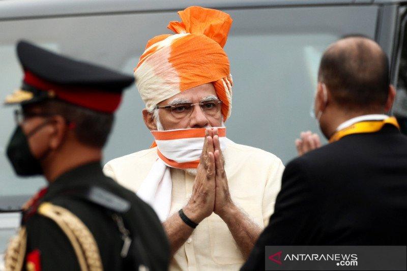 PM Modi dan menteri pilih vaksin