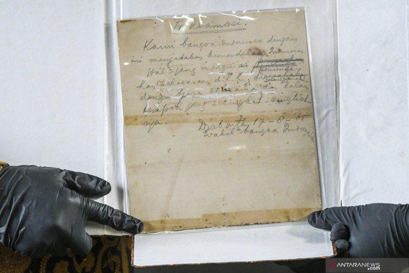 Sekretariat Presiden mengembalikan naskah asli teks proklamasi ke ANRI