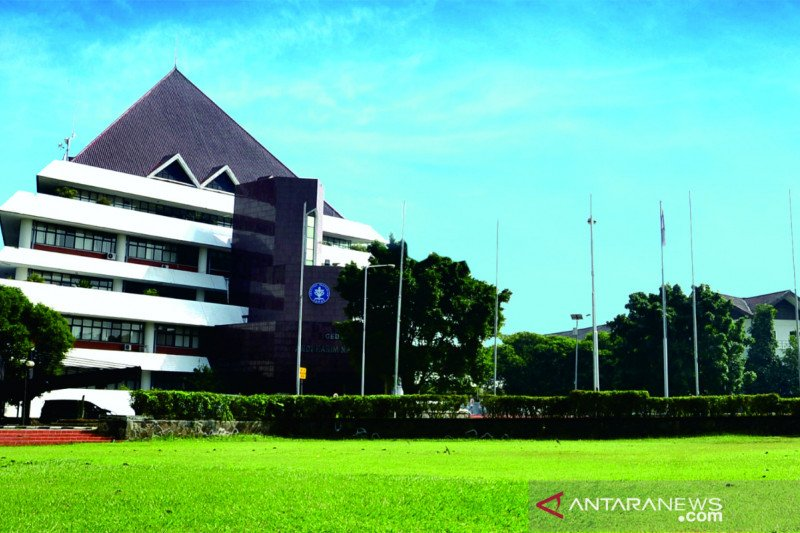 IPB University peringkat pertama perguruan tinggi terbaik