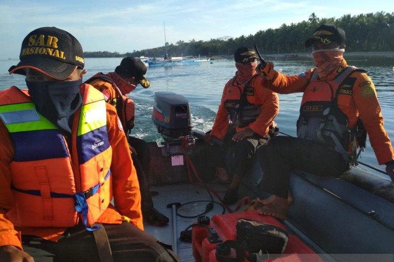 Basarnas Kendari lanjutkan pencarian terhadap  nelayan jatuh ke laut