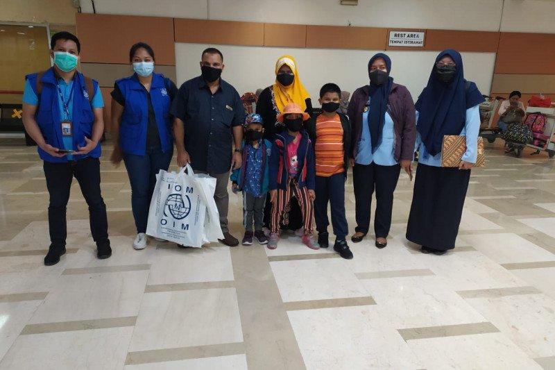 Satu keluarga pencari suaka asal Myanmar diterima di Amerika Serikat