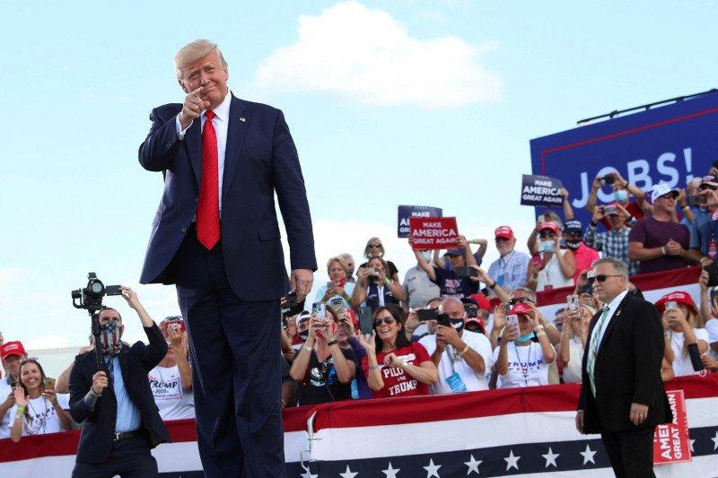 Trump berikan pujian pada perusahaan yang ingin membeli TikTok